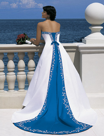 Trend colorful wedding dresses weddingwire the blog for Marine wedding bridesmaid dresses