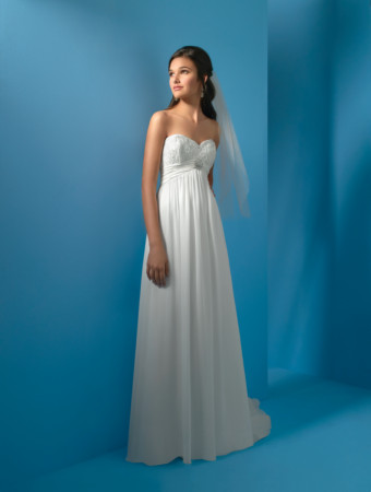 Wedding Dresses You Can Afford to Look At: Beach and Outdoor Weddings via TheELD.com