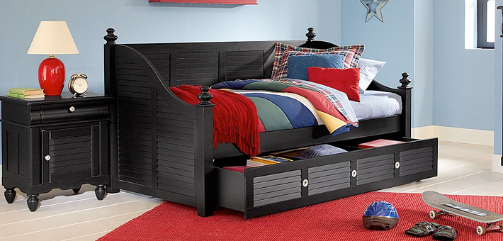 daybeds and trundle beds from American Signature Furniture