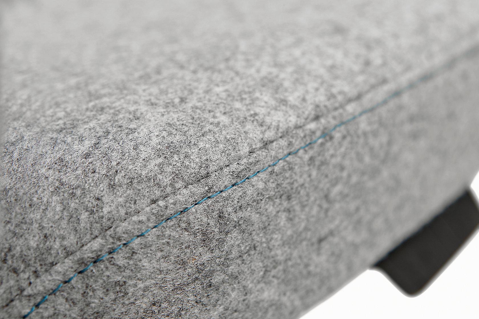 Evo Detail Contrast Stitch Seat