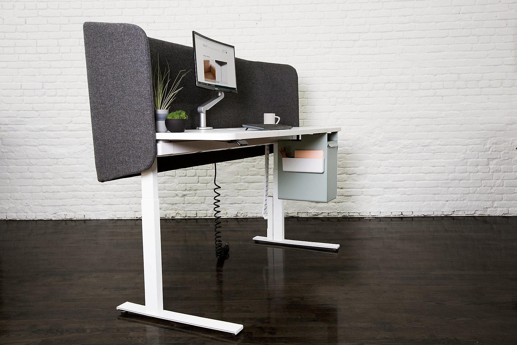 A8 Desk