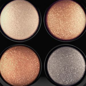 Powder Eyeshadow: A Glimmer  Of Gold MAC Mineralize Eye Shadow x4