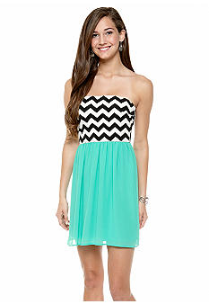 My Michelle Zigzag Knit to Chiffon Dress