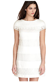Donna Morgan Cap-Sleeved Lace Shift Dress