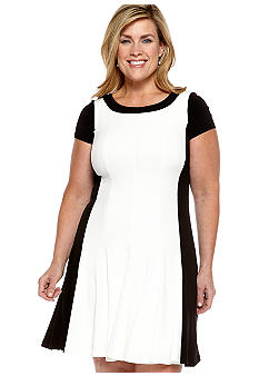 London Times Plus Size Short-Sleeved Fit and Flare Colorblock Dress