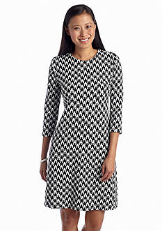 Taylor Hounds-Tooth Printed Shift Dress