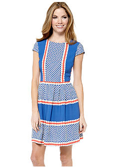 Gabby Skye Petite Cap Sleeved Printed Belted Dress