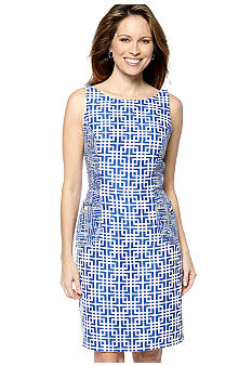 Gabby Skye Sleeveless Jacquard Printed Shift Dress