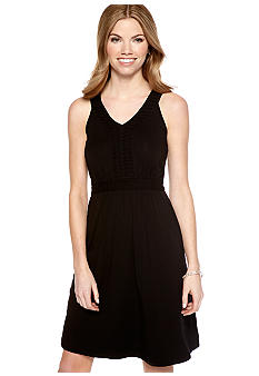 Spense Petite Sleeveless V-Neck Dress