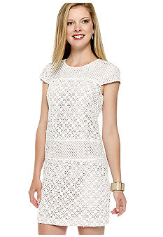 Ivy & Blu/maggy boutique Cap-Sleeved Allover Lace Shift Dress