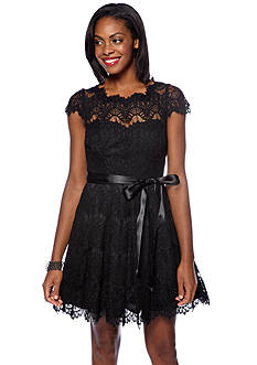 Xscape Cap-Sleeved Allover Lace Party Dress