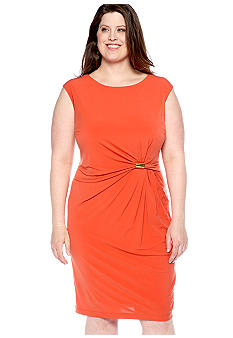 Sandra Darren Plus Size Cap-Sleeved Sheath Dress