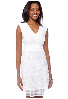Rabbit Rabbit Rabbit Petite Sleeveless Stretch Lace Dress