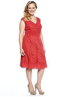 Chris McLaughlin Plus Size Sleeveless Lace Dress