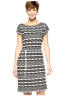 Sharagano Cap-Sleeved Wavy Stripe Shift Dress