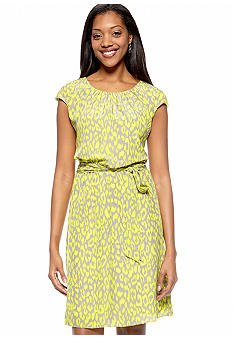 Robbie Bee Petite Cap-Sleeved Printed Dress