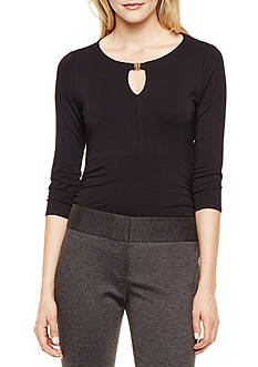 Vince Camuto Solid Keyhole Top