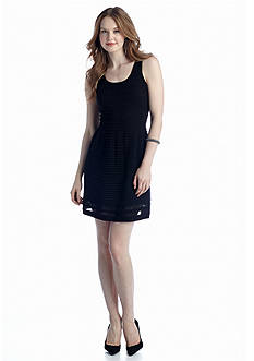 Jessica Simpson Aquila Sleeveless Scoop Neck Dress