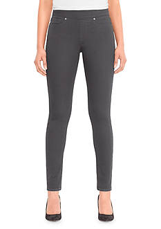 Levi's® Perfectly Slimming Pull-On Legging