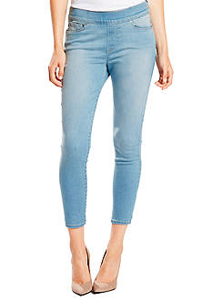 Levi's Perfectly Slimming Pull On Cropped Jeans