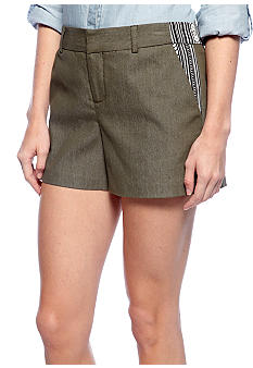 A Byer Solid Shorts with Printed Pockets