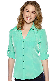 A Byer Three-Quarter Sleeve Button Front Top