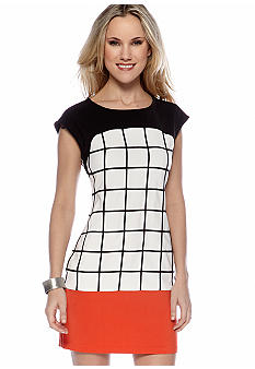 Romeo & Juliet Couture Short Sleeve Modern Dress