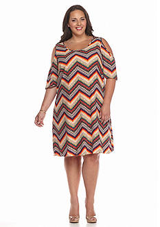 New Directions Plus Size Cold Shoulder Chevron Dress
