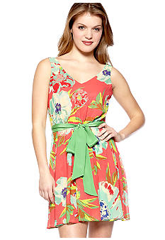 Chord Sleeveless Floral V-Neck Dress