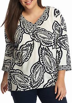 crown & ivy™ Plus Size Leaf Print Peasant Top