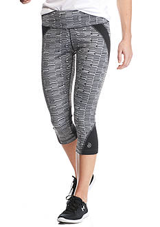 be inspired Performance Capris with Printed Panel