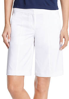 IZOD Golf Women's Solid Core Shorts