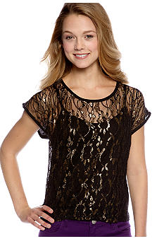 Almost Famous Cap Sleeved Hi-Lo Lurex Lace Front Tee