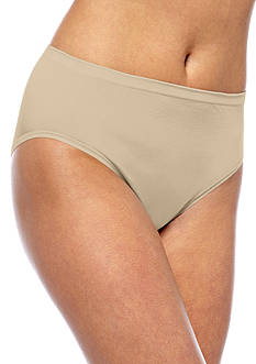 Vanity Fair Tailored Seamless High-Cut Brief - 0013211