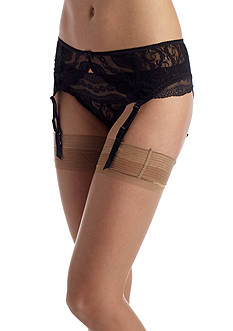 b.tempt'd by Wacoal Lace Kiss Garter Belt - 977182