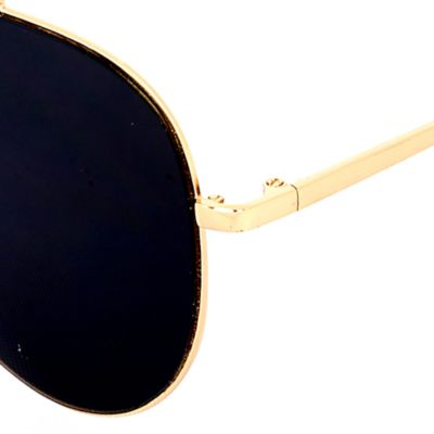 Guys Sunglasses: Gold/Black Steve Madden Flat Aviator Sunglasses