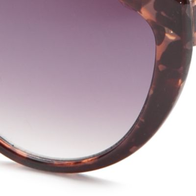 Cat Eye Sunglasses: Brown TAHARI™ Ombre Cat Eye Sunglasses
