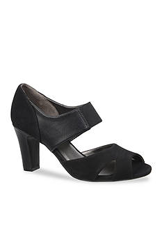 Life Stride Cielo Pumps