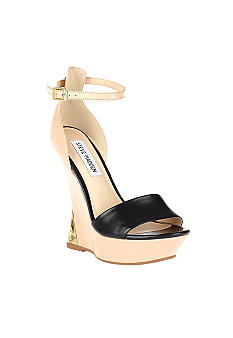 Steve Madden Grannted Wedge Sandal