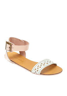 Coconuts by Matisse Wonderful Sandal