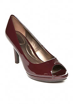 Bandolino Supermodel Pumps