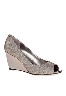 Bandolino Tufflove Wedge Pump