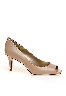 Bandolino Sunrise Pump