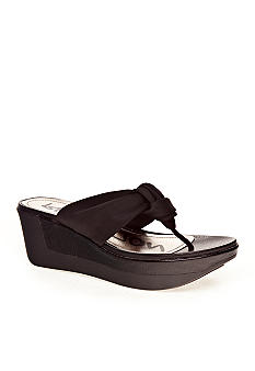 Kenneth Cole Reaction Pepe Persona Sandal