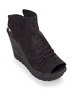 Kenneth Cole Reaction Sole Search Wedge