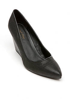 Kenneth Cole Reaction Bond-ed Wedge Pump
