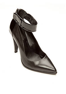 Kenneth Cole Reaction Fond High Pump