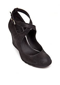 Kenneth Cole Reaction Tell Lily More Wedge