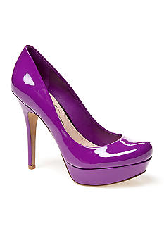 Jessica Simpson Given Pump