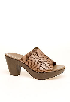 Munro Marisa Sandal - Available in Extended Sizes and Widths